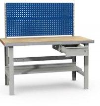 Stanowisko montażowe Table 500 C4, 1530x800mm, z panelem narzędziowym i szufladą.